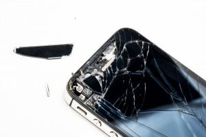 תיקון מסכים מקצועי למכשירי אייפון