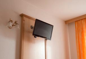 תליית טלוויזיה על קיר מגבס הדרך האולטימטיבית